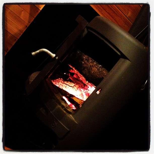Pour choisir son chauffage au bois, deux critères sont importants : l'usage souhaité et la répartition de la chaleur. © Iza et Audrey Love, Flickr, CC by-sa 2.0