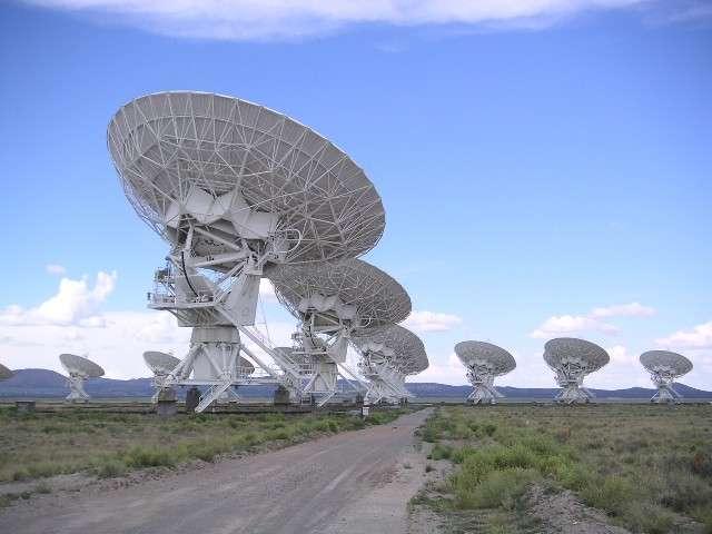 Le Very Large Array (VLA) est un radio-interféromètre situé au Nouveau-Mexique (États-Unis). Il est constitué de 27 antennes paraboliques. © Hajor, Wikipédia, CC by-sa 3.0