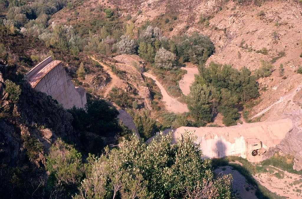 Le barrage de Malpasset en 1988. © ProfessorX, Wikimedia Commons, cc by sa 3.0