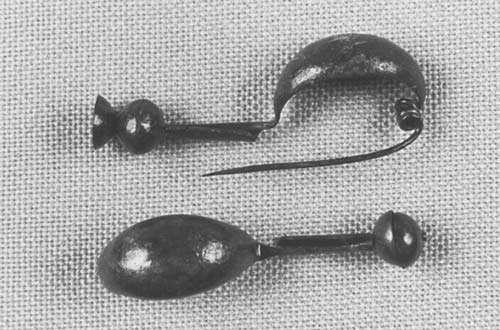 Fibules (Dingsheim, milieu VIe s. av. J.-C.). © André Beauquel - Tous droits réservés, reproduction interdite