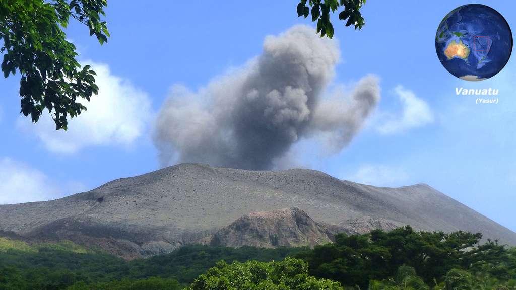 Le Yasur, volcan actif de l'île de Tanna, au Vanuatu