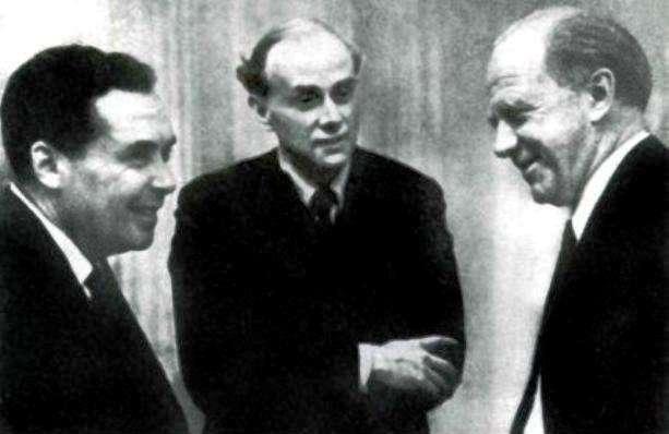 De gauche à droite, Dmitri Ivanenko, Paul Dirac et Werner Heisenberg. © G. Sardanashvily