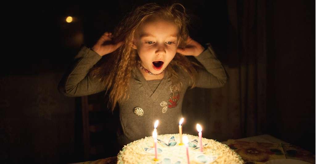 Plus que le sucre, c'est l'ambiance dans laquelle il est consommé qui semble exciter les enfants. © Dmytro Kohut, Shutterstock