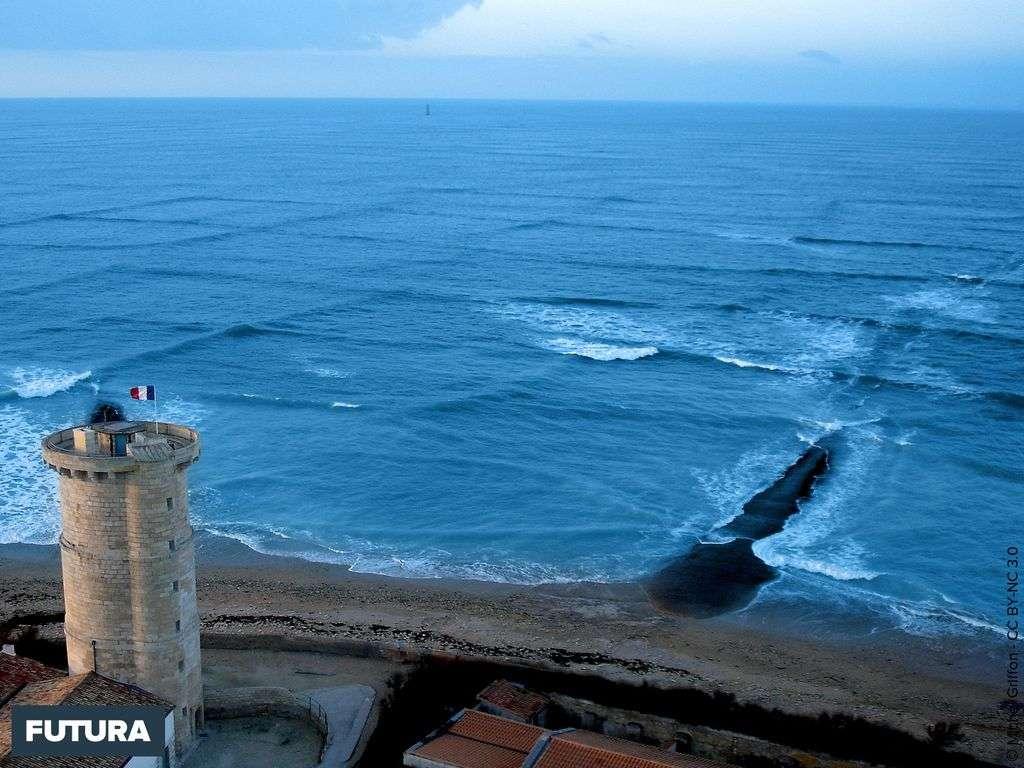 Houle croisée Phare des Baleines - Île de Ré