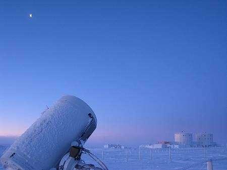 La base scientifique Concordia sous la Lune. Crédit Photo Erick Bondoux / DC 4