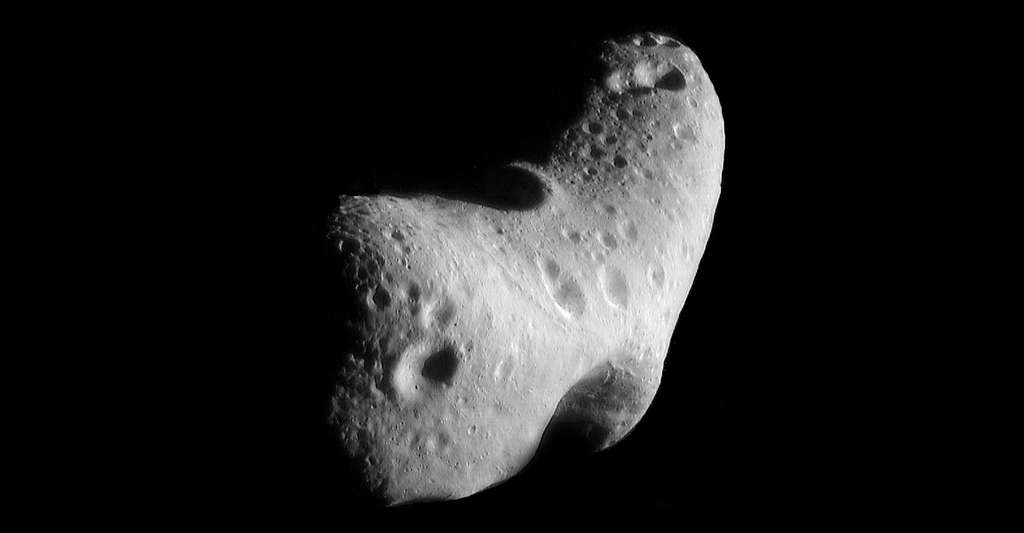 La sonde Near Shoemaker (Near pour Near Earth Asteroid Rendezvous), a été lancée le 17 février 1996 par la Nasa pour atteindre l'astéroïde (433) Éros. © Nasa/JPL/JHUAPL