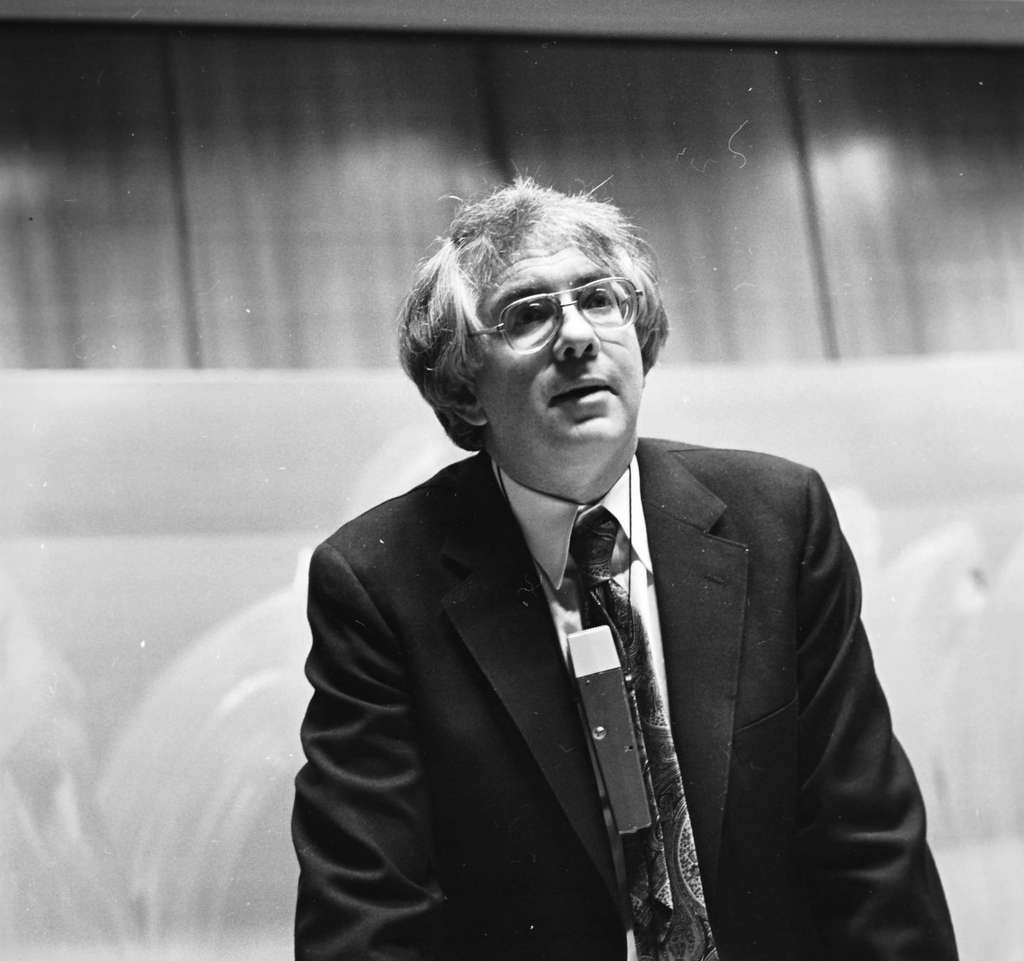 Le prix Nobel Sheldon Glashow dans le célèbre amphi du Cern en 1979. © Cern PhotoLab