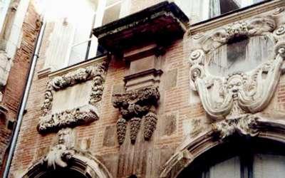 L'Hôtel de Pierre, à Toulouse. Le mot pierre désigne ici le matériau et non un personnage. © DR