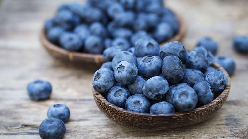 La myrtille, fruit du myrtillier, est très riche en vitamine A ; elle améliorerait la vue. © Anna Moskvina, Shutterstock