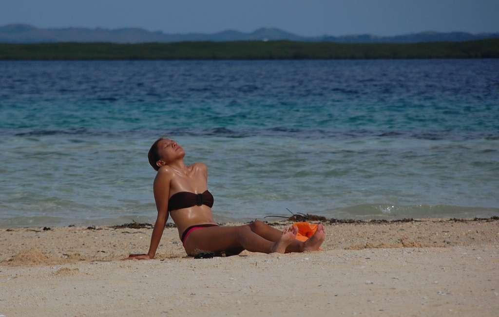 Les rayons ultraviolets du soleil sont la première cause de cancer de la peau. Les médecins recommandent de se protéger avec une crème solaire à haut indice de protection. © georgeparrilla, Flickr, cc by 2.0