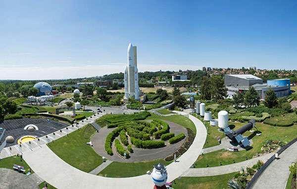 La Cité de l'espace, c'est quelque 4.000 m2 d'expositions, mais aussi 4 hectares de jardins scientifiques. © Manuel Huynh, Cité de l'espace, tous droits réservés