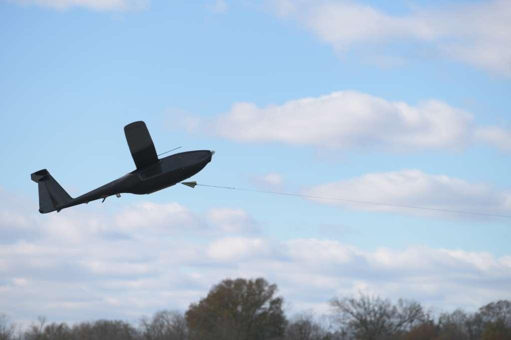 Le drone Hybrid Tiger de l'US Naval Research Laboratory lors du vol test. © US Navy, Jonathan Steffen