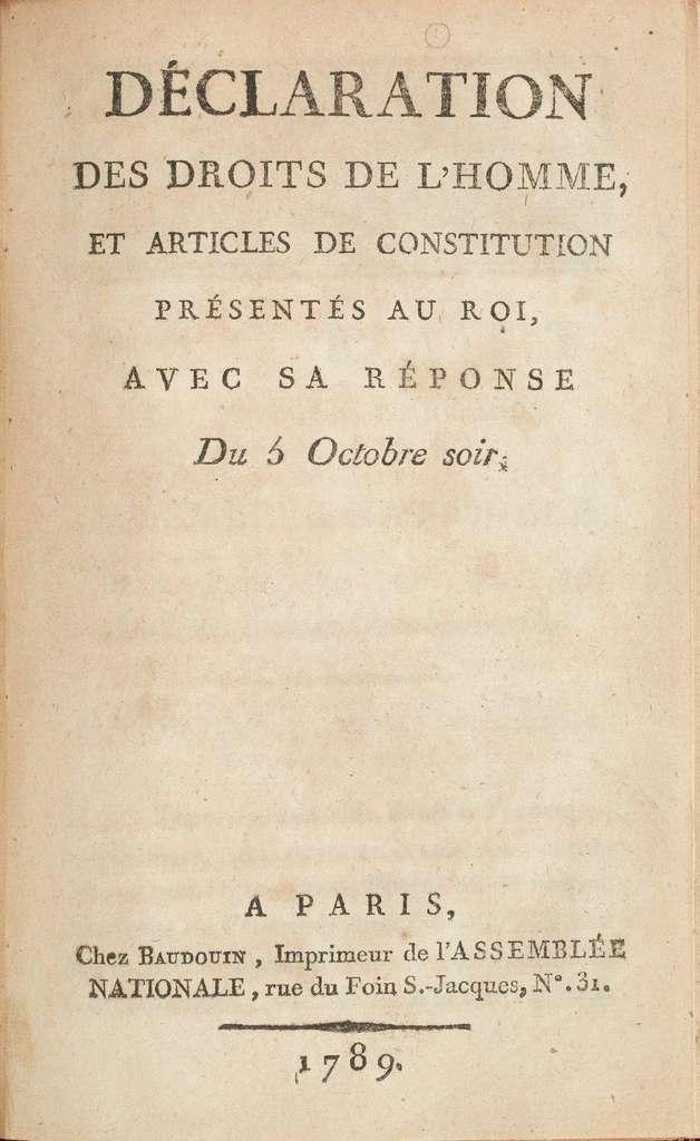 Première page de l'édition originale présentée au roi avec sa réponse du 5 octobre. © Baudouin imprimeur, Wikimedia Commons, Domaine Public