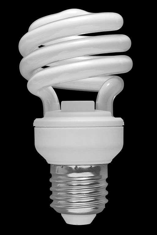 Ampoule compacte fluorescente. © Sun Ladder, CC by-nc 3.0