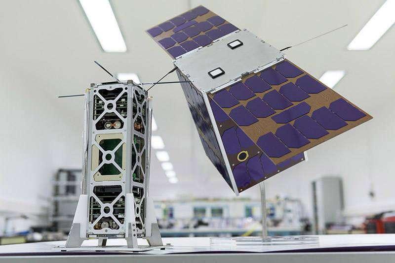 Prototype du nanosatellite Angels, du Cnes, sur lequel s'appuieront Thales Alenia Space et ses partenaires pour réaliser les satellites de la constellation Kinéis. © Kinéis