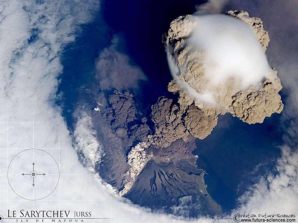 Eruption du volcan Sarytchev