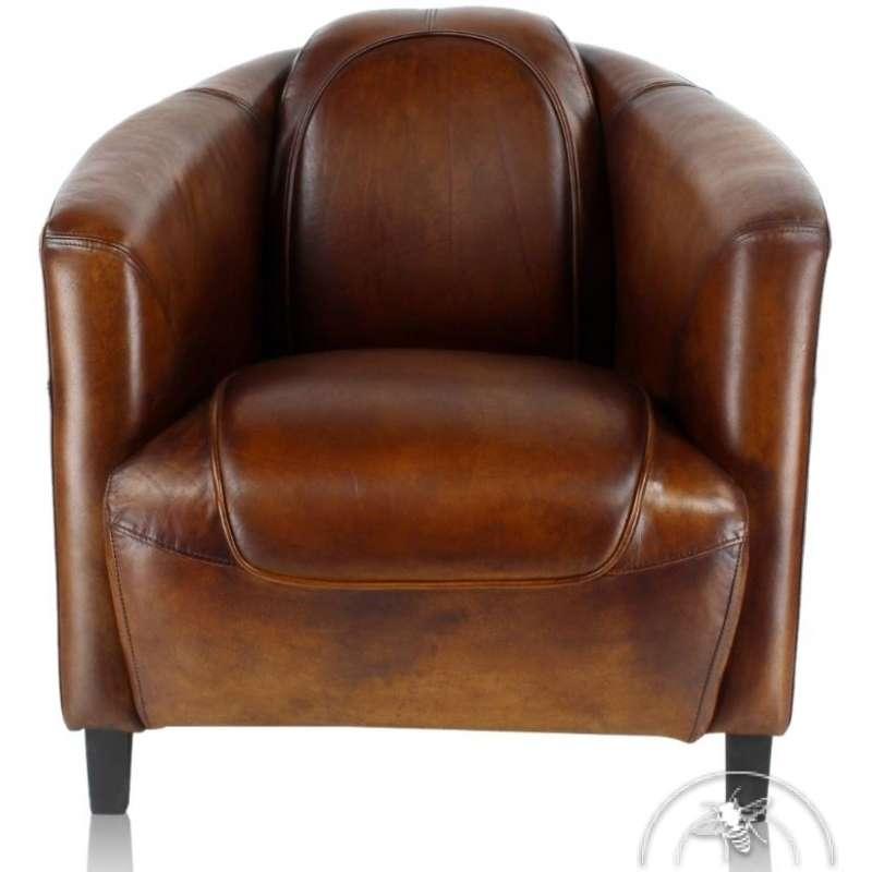 Le fauteuil club vintage, en cuir marron. Collection Orsay de la Maison Saulaie, reflet du style et de l'art de vivre à la française. © Maison Saulaie