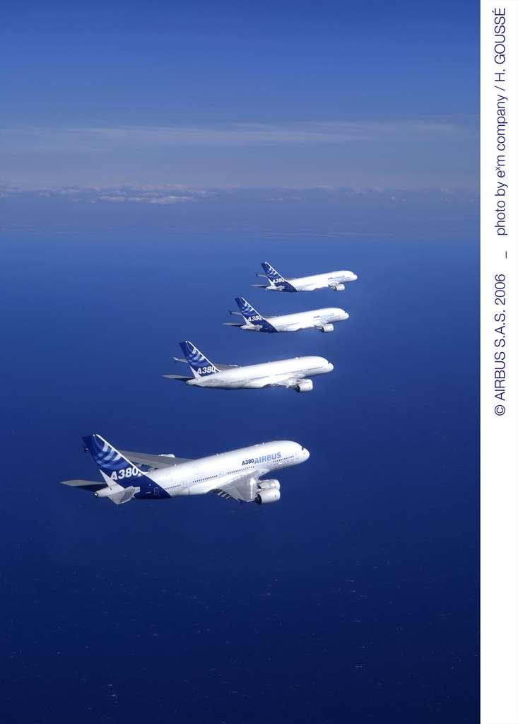 Vol en formation de 4 A380 !