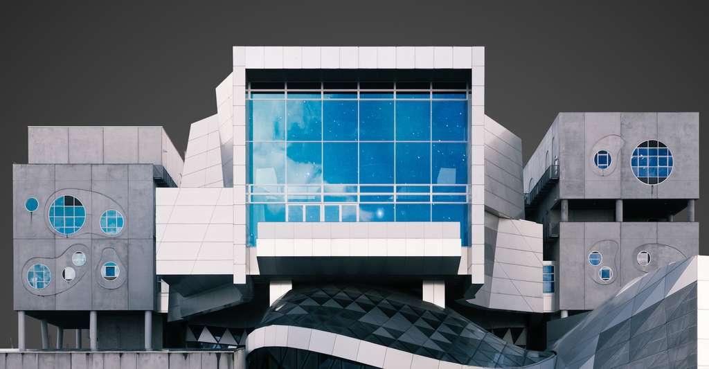 Outre son potentiel pour refroidir les bâtiments, le bleu égyptien pourrait servir à teinter nos fenêtres. Le rayonnement infrarouge qu'elles émettraient ainsi pourrait en effet être capté par des cellules photovoltaïques posées sur les encadrements. © Pierre Châtel-Innocenti, Unsplash