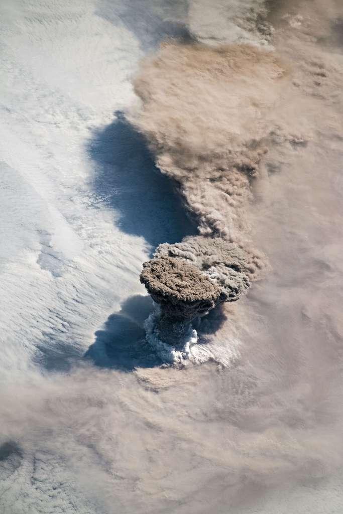 Raikoke Erupts. © Joshua Stevens, Nasa