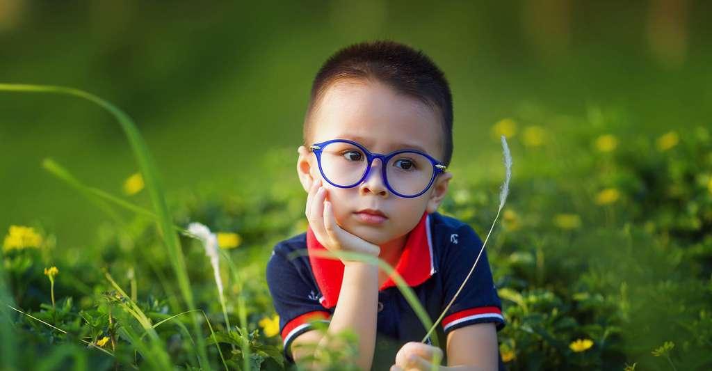 Un enfant doit-il savoir qu'il est un enfant précoce ? © Lichdinhtb, Pixabay, DP