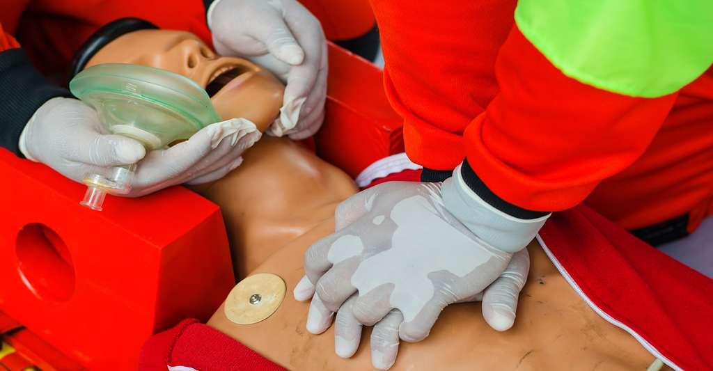 La Croix-Rouge permet d'apprendre les gestes qui sauvent. Découvrez ici son histoire. © BlackeagleEMJ, Shutterstock