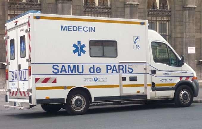 Véhicule du Samu de Paris. On peut joindre le Samu également à la suite de l'ingestion d'une substance dangereuse. © Muffingg, cc by sa 3.0, Wikimedia Commons
