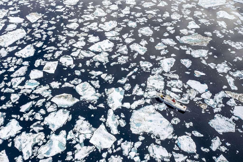 Le Polar Front de Latitude Blanche dans la banquise. © Florian Ledoux, tous droits réservés