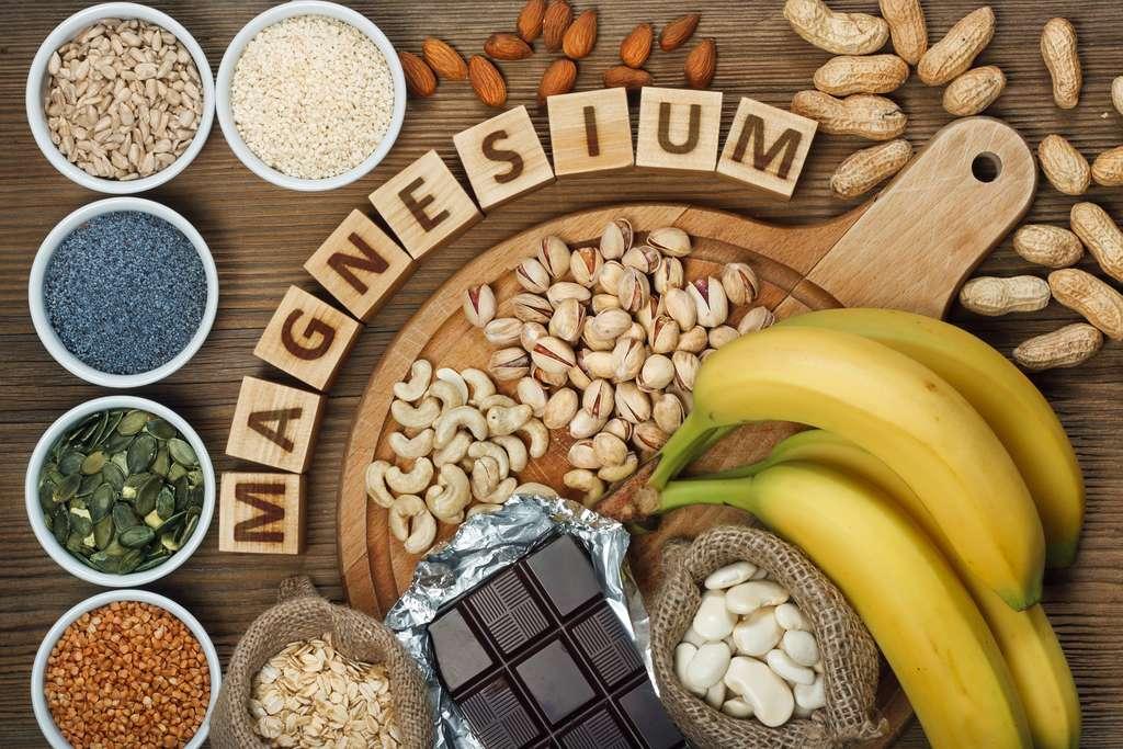 Pour faire face à une carence, il convient tout d'abord de modifier son régime alimentaire en privilégiant les aliments riches en magnésium. © aireborne 77, Adobestock