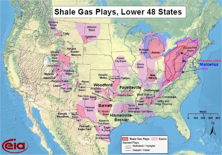 Les exploitations de gaz de schiste aux États-Unis, situées dans les régions colorées en rose. Les bassins sédimentaires sont figurés en rose pâle. © US Energy Information Administration