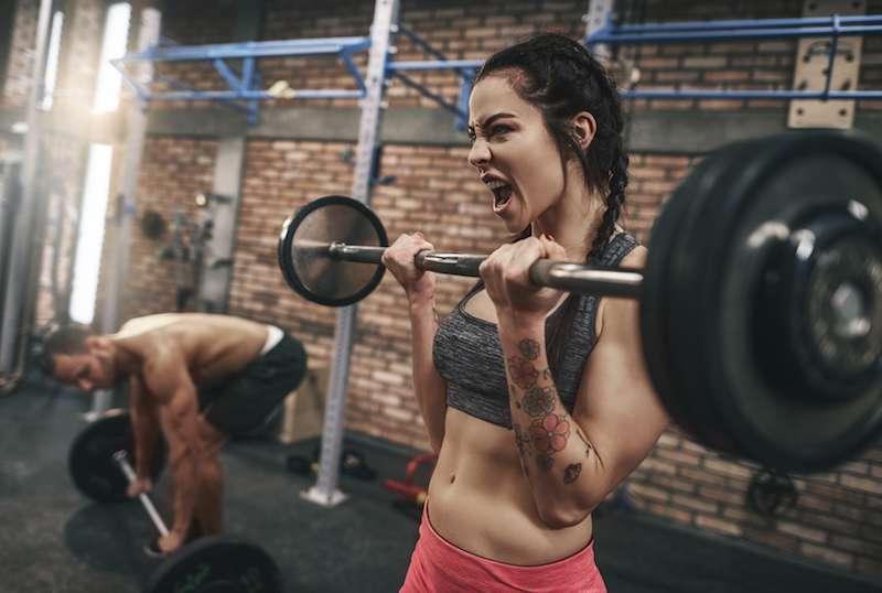 Parfois ludique, le Crossfit est une discipline qui demande beaucoup d'efforts physiques. © gpointstudio, fotolia