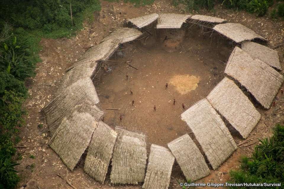 Gros plan sur le village Moxihatetema qui n'avait pas été vu depuis plus d'un an. © Guilherme Gnipper Trevisan, Hutukara, Survival