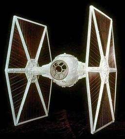 Un chasseur impérial TIE, avec moteur à double flux ionique. © Lucasfilm Ltd