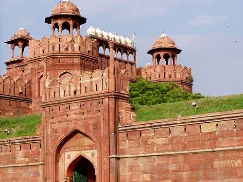 Le Fort rouge est une bâtisse imposante de près de 400 ans, et est associé à l'indépendance de l'Inde. © Twiga Swala