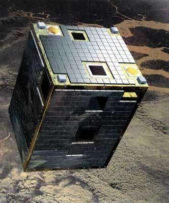 La sonde Proba lancée en 2001, légèrement plus grosse qu'une télévision, fait partie de la famille des microsatellites. © ESA