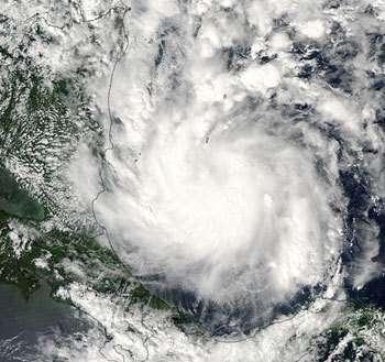 Cliché du cyclone Beta pris le 27/10/05 par le satellite Aqua (Crédit : NASA)