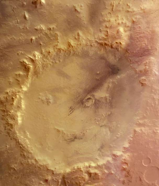 Le célèbre sourire martien, vu par Mars Express, qui est en fait le cratère Galle, de 230 km de diamètre (à ne pas confondre avec le cratère Gale dans lequel s'est posé Curiosity). © Esa, DLR, FU Berlin (G. Neukum)