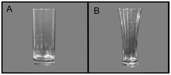 Il nous est facile d'évaluer ce que l'on boit dans un verre droit (à gauche) mais beaucoup moins dans un verre évasé. Pourtant, les brasseurs rivalisent d'ingéniosité et proposent des verres à bière avec des formes très originales. © Angela Attwood et al., Plos One