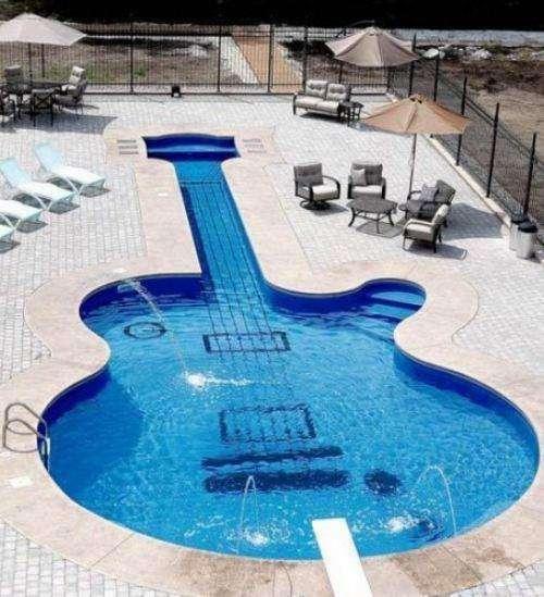 Une piscine très rock !