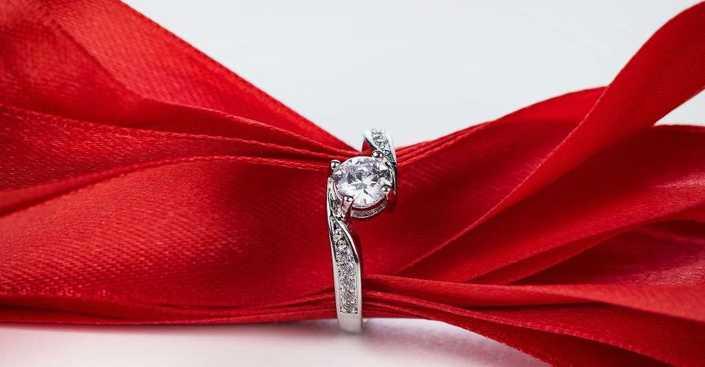 En savoir plus sur le diamant. © Giacomo Ceccaroni, Fotolia