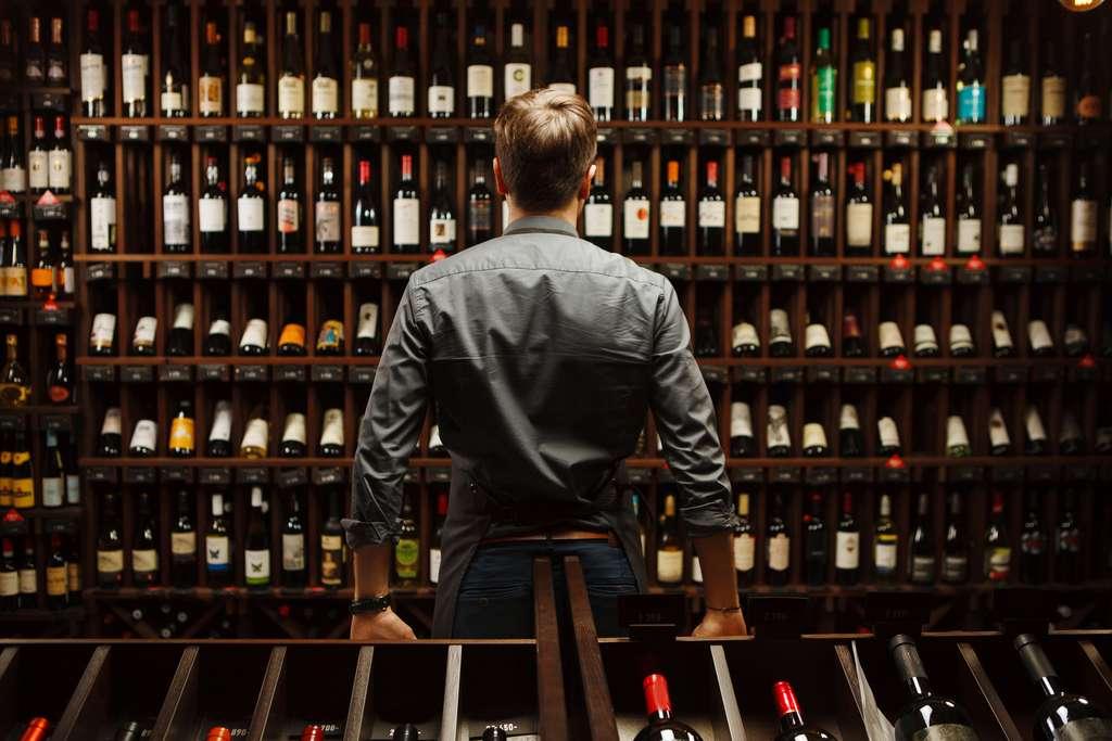 Les chercheurs appellent à la mise en œuvre de techniques de décoration «plus propres» pour les bouteilles en verre. D'autant que ces techniques existent déjà. © Ilshat, Fotolia
