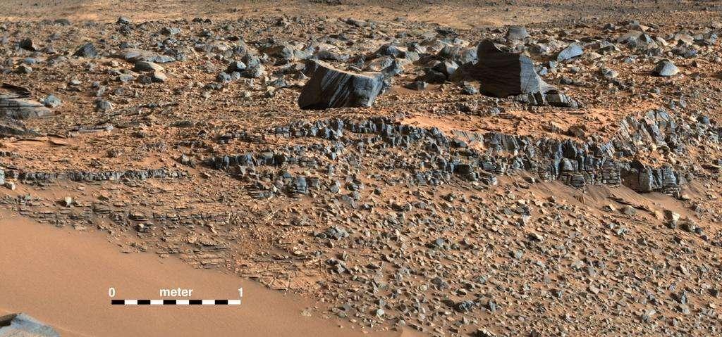 Le site de Hidden Valley photographié sur le chemin de Curiosity vers le mont Sharp, lors de son 703e jour sur Mars. La variété des mudstones témoigne de l'existence d'un lac dans cette région. © Nasa, JPL-Caltech, MSSS