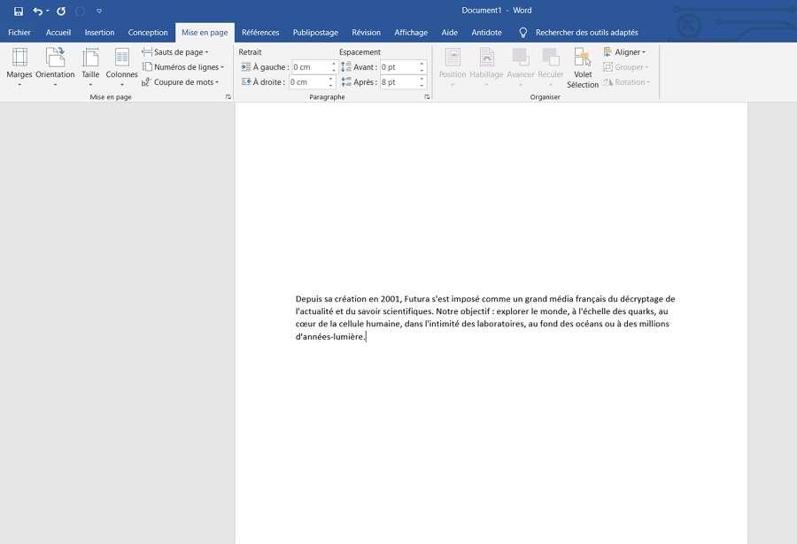 Le texte est aligné verticalement avec l'option « centré ». © Microsoft