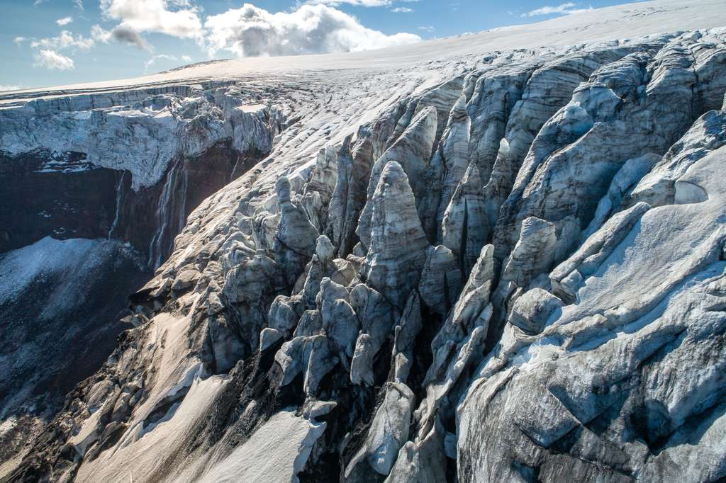 L'Islande vue du ciel : en bordure d'un glacier