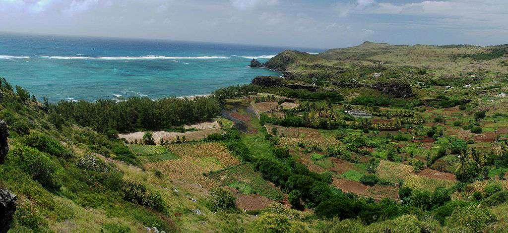 Vue de l'île Rodrigues et la rivière Banane. © Dunog - Domaine public