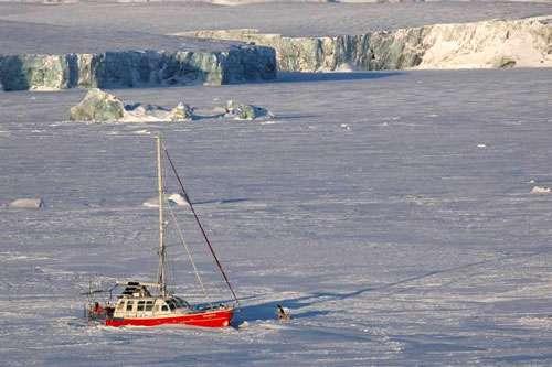 Vagabond pris dans la glace © Eric Brossier – Vagabond