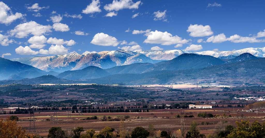 La montagne Noire et une partie de la commune de Thézan-lès-Béziers. © Christian Ferrer, Wikimedia Commons, CC by-sa 3.0