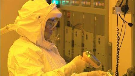 La nouvelle usine Fab32, d'Intel, installée dans l'Arizona. D'autres installations sont prévues, notamment en Israël. Elles produiront les modèles à venir, plus d'une trentaine d'ici à la fin 2008. © Intel