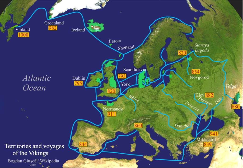 Voyages (en bleu) et territoires colonisés (en vert clair) des Vikings ; auteur : Bogdan Giusca, 2005. © Wikimedia Commons, domaine public.