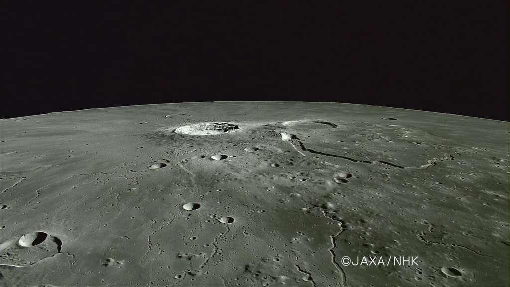 Le cratère Aristarque, le cratère Hérodote et Vallis Schroten